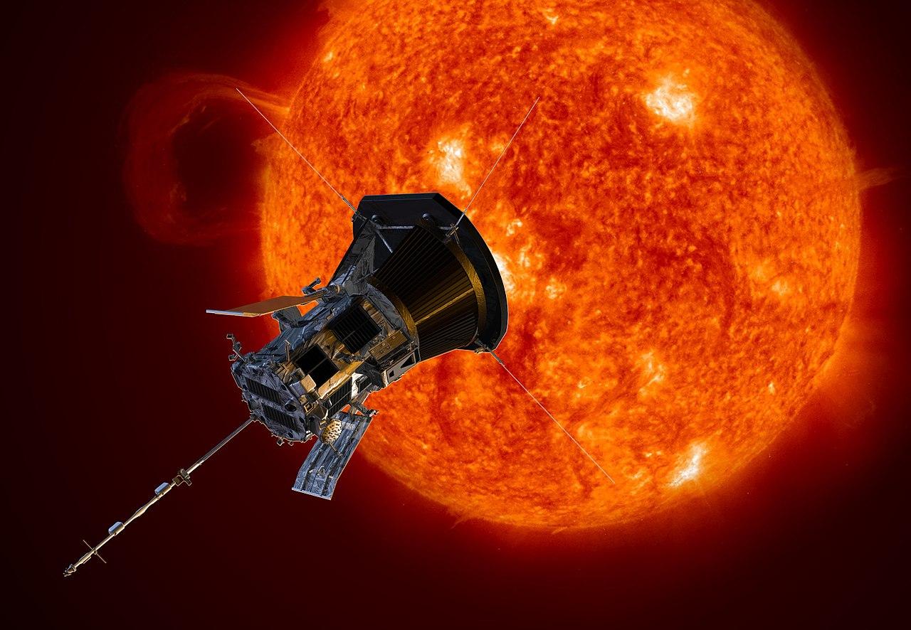 Solsonden Parker Solar Probe skal fly gjennom solas atmosfære for å forske på blant annet solvinden og dårlig romvær. Illustrasjon: NASA/Johns Hopkins APL/S. Gribben
