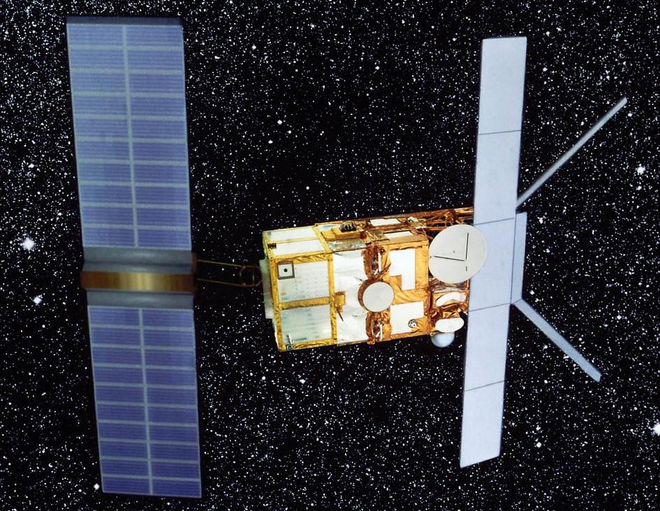 ERS-1 var en jordobservasjonssatellittsom banet veien for dagens operasjonelle miljøsatellitter. Illustrasjon: ESA