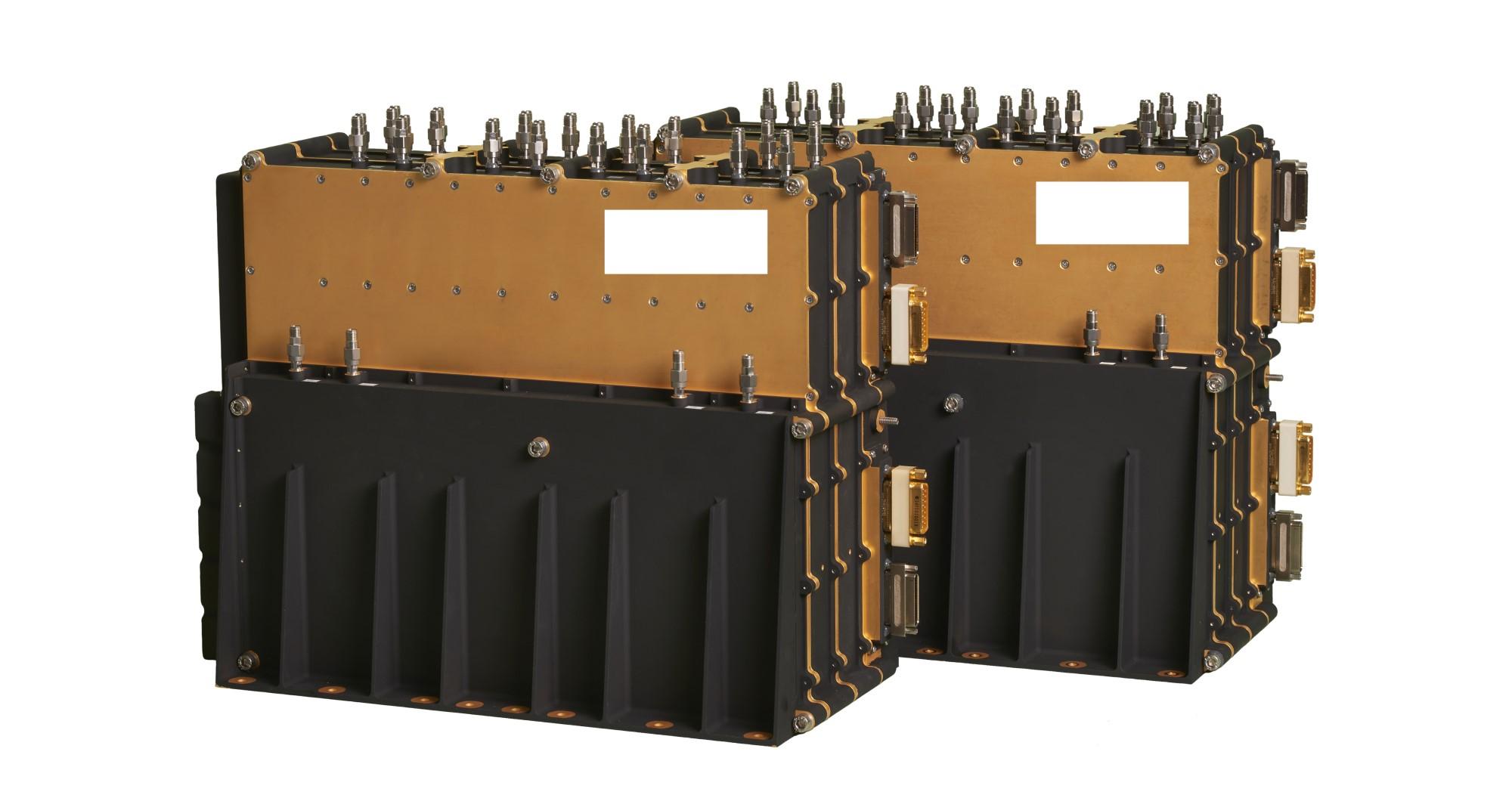 Signalprossesorer av samme type som Kongsberg Defence & Aerospace, avdeling Space & Surveillance i Horten, skal levere til Thuraya NGS-satellitter. Foto: KDA