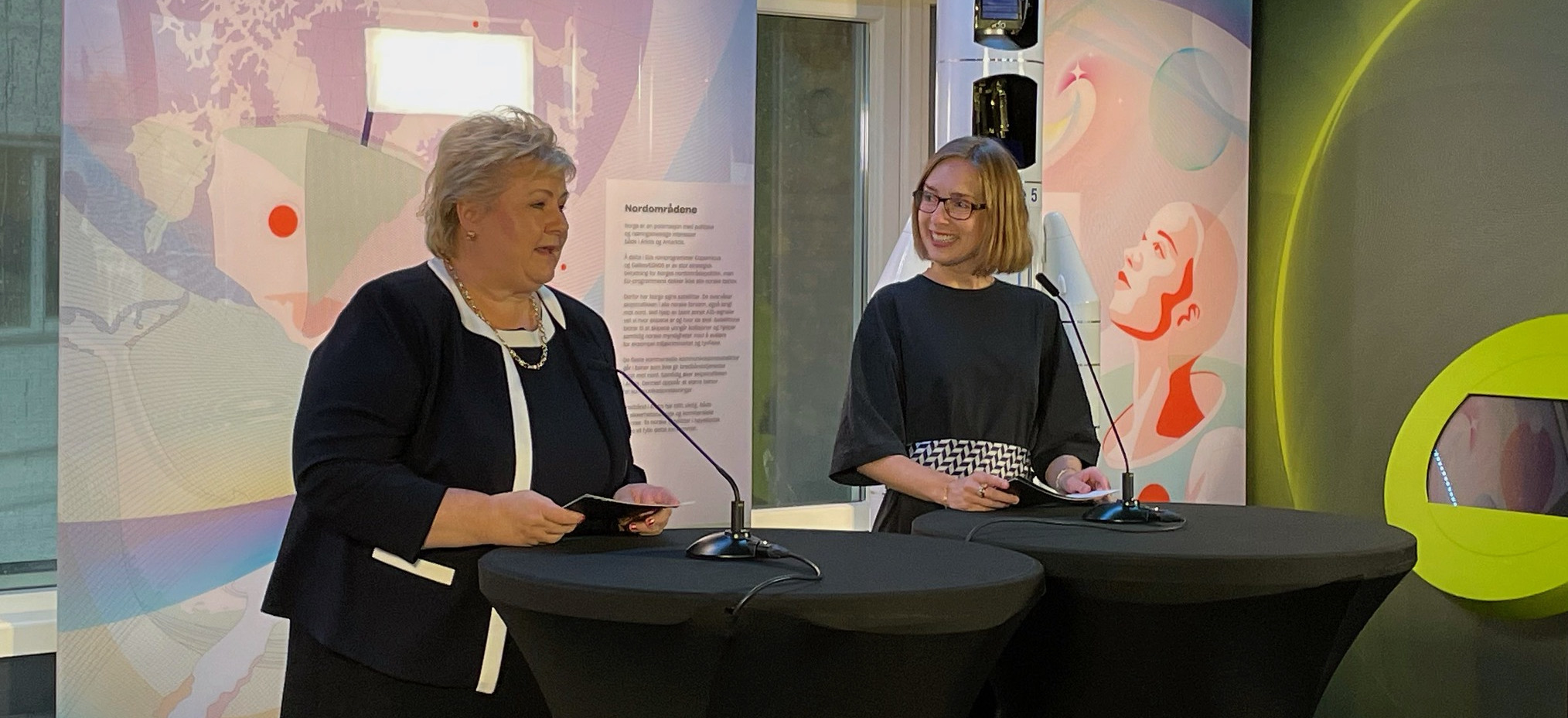 Statsminister Erna Solberg og nærings- og fiskeriminister Iselin Nybø annonserte finansieringenav oppskytningsbase på Andøya. Foto: NFD.