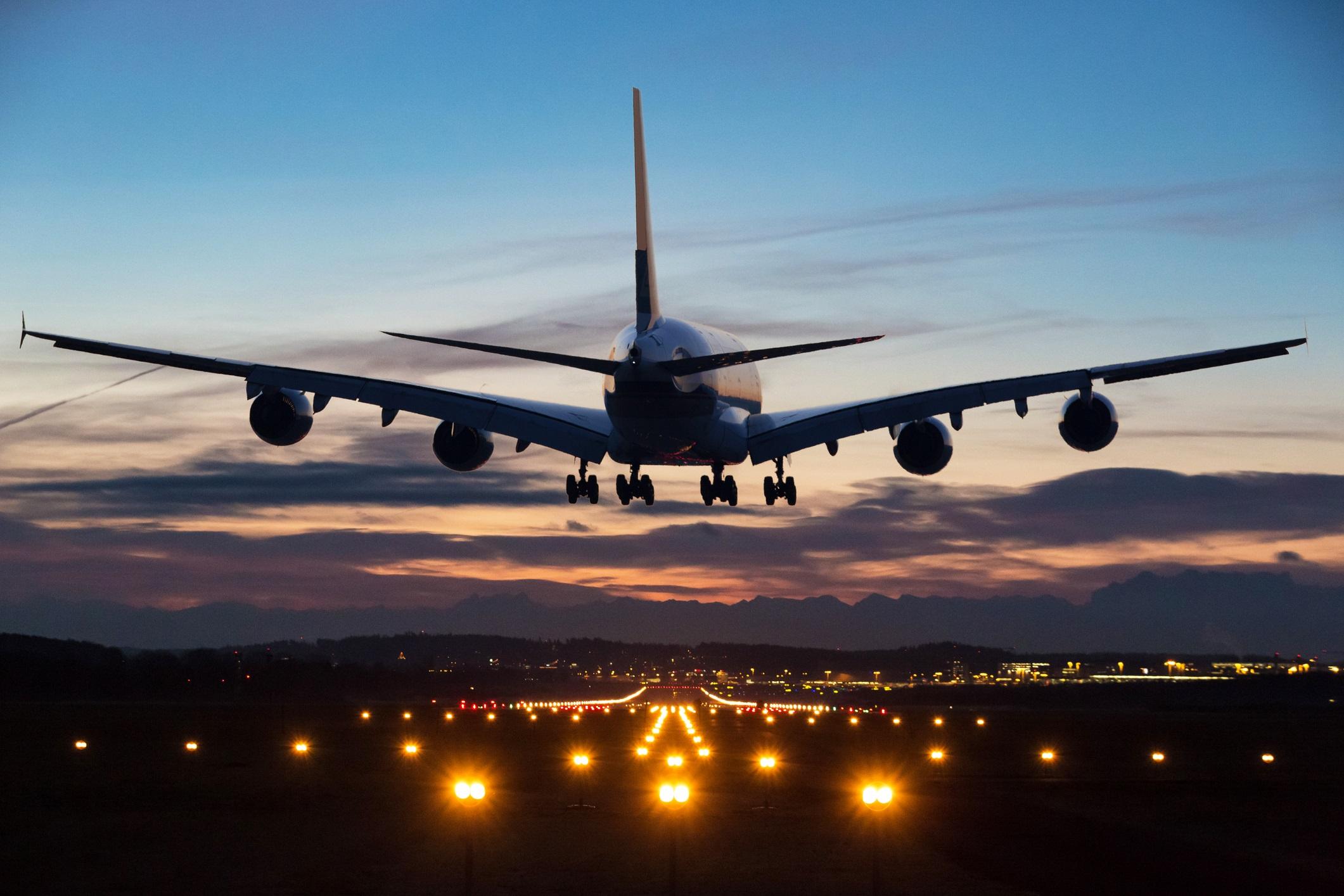 Den norske bedriften Indra Navia AS lager et nytt internasjonalt landingssystem som vil øke effektiviteten, redusere forsinkelser og gi mindre CO2-utslipp og støy. Foto: Indra Navia AS