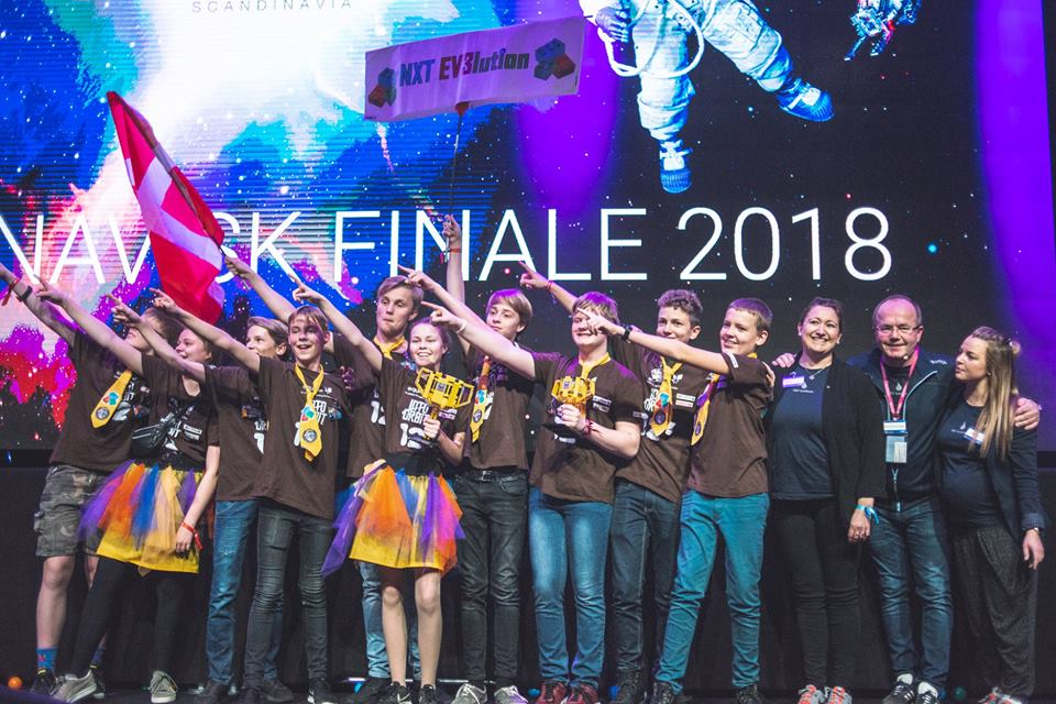 Vinner av skandinavisk FIRST LEGO League 2018, Nxt Ev3lution fra Danmark. Foto: First Scandinavia