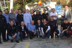 Teamet som testet luftslusen til ESPRIT-modulen til månestasjonen the Gateway. Foto: ESA