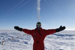Hvert år sender ESA en lege til Concordia-basen i Antarktis. Legen skal forske på rommedisin og forholdene på basen. Foto: ESA/IPEV/PNRA–C. Possnig