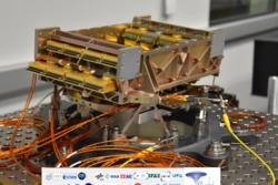 Elektronikkstrukturen med føtter som Prototech har laget for NISP-instrumentet på romteleskopet Euclid. Foto: Laboratoire d'Astrophysique de Marseille/CNRS/AMU/CNES/Euclid Consortium