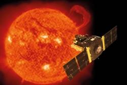 Solsatellitten SOHO ble skutt opp i 1995 og forsker fortsatt på sola, solvinden og romværet. Grafikk: ESA/ATG medialab/NASA SOHO, CC BY-SA 3.0 IGO