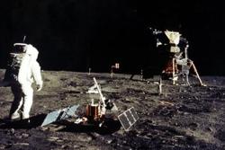 Den første månelanding ble gjennomført 20. juli 1969 med landingsmodulen Eagle. Astronautene Neil Armstrong og Buzz Aldrin ble de første menneskene på månen. Foto: NASA