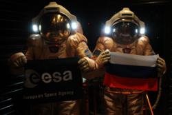 Testastronautene under Mars500 simulerte ferd til og landing på vår røde naboplanet. Foto: ESA