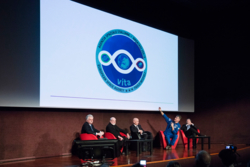 Logoen til den italienske romfareren Paolo Nespolis ferd i 2017 heter VITA og har symbol laget av den italienske kunstneren Michelangelo Pistoletto. Foto: A. Maniscalco
