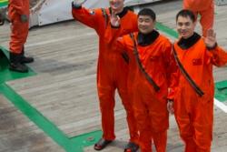 ESAs tyske astronaut Matthias Maurer sammen med to kinesiske romfarere på trening sammen i Kina i august 2017. Foto: ESA/S. Corvaja