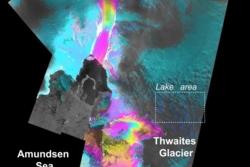 Hastigheten til Thwaites og Pine Island, to av isbreene i Vest-Antarktis som smelter raskest, målt av Sentinel-1. Foto: Copernicus/Sentinel/CPOM/University of Leeds–A. Hogg/University of Edinburgh–N. Gourmelen