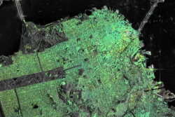 Nedsynking (i gult, oransje og rødt) av områder i San Francisco, sett av radarsatellittene Sentinel-1A og 1B. Foto: Contains modified Copernicus Sentinel data (2015–16)/ESA SEOM INSARAP study/PPO.labs/Norut/NGU