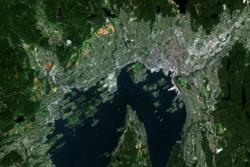 Dette er det første bildet som er offentliggjort av Oslo tatt fra Copernicus-satellitten Sentinel-2A. Foto: Copernicus Sentinel data 2015