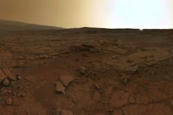 Mount Sharp og solnedgang på Mars, tatt av roveren Curiosity i mars 2013. Foto: NASA/JPL/MSSS/ O. de Goursac