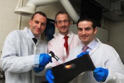 Den irske bedriften Enbio har utviklet en metode for å danne ekstremt bestandige overflater som kan brukes både medisinsk og i rommet. Foto: Enbio/NovaUCD