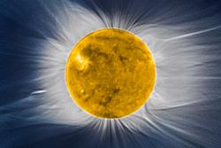Bilde av solas korona under solformørkelse kombinert med bilde av solskiven, begge sett av den europeiske solsatellitten Proba-2. Foto: ESA/Proba-2 consortium/SWAP team/Institut d'Astrophysique de Paris (CNRS & UPMC), S. Koutchmy/J. Mouette
