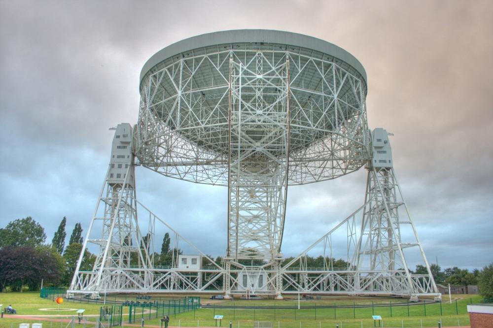 Radioteleskopet Lovell i Storbritannia brukes blant annet til å forske på pulsarer. Foto: M. Peel; Jodrell Bank Centre for Astrophysics, Univ. of Manchester