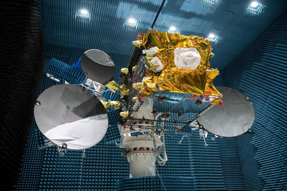 Relésatellittene i EDRS vil ta inn data fra andre satellitter vha høyhastighetslaser. Foto: ESA