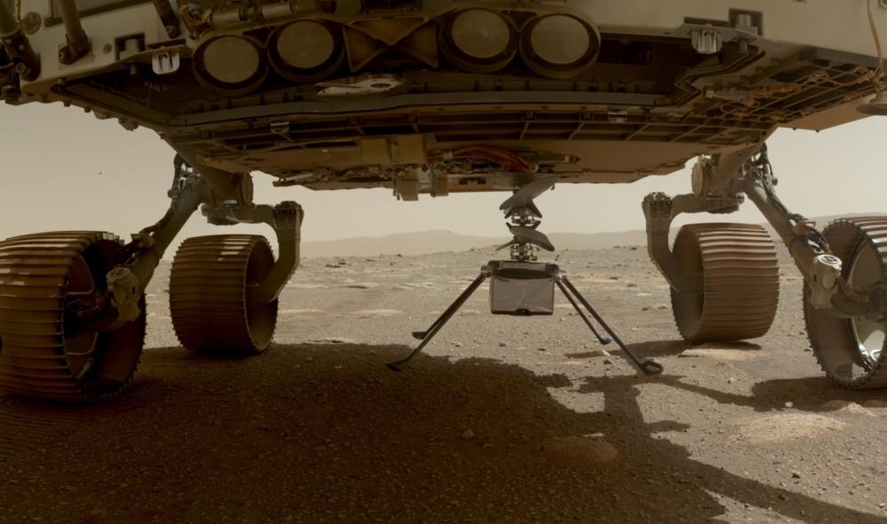 Ingenuity ble satt ned på bakken fra Perseverance 3. april 2021. Foto: NASA/JPL-Caltech