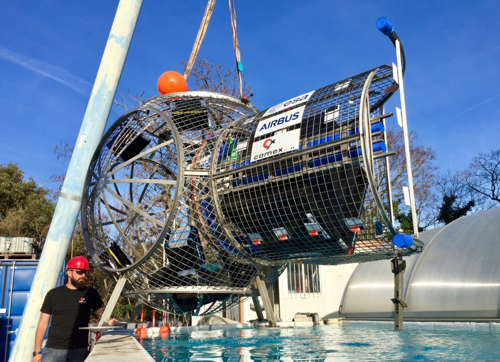 Testing av luftslusen til den europeiske ESPRIT-modulen til månestasjonen the Gateway. Foto: ESA