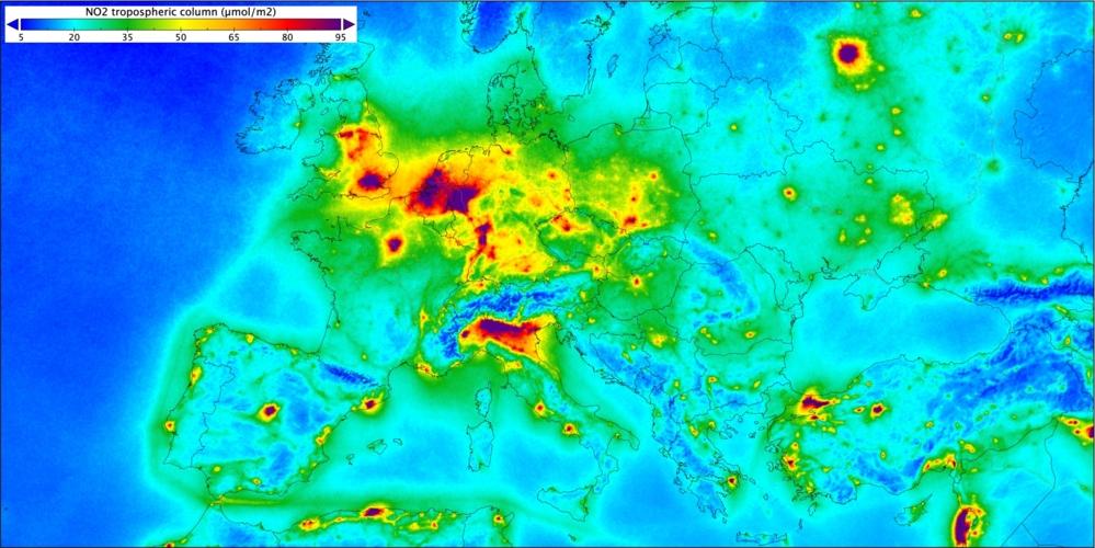 Luftforurensing av nitrogendioksid over Europa, målt av Sentinel-5P fra april2018 til mars 2019. Grafikk: Copernicus/KNMI/ESA
