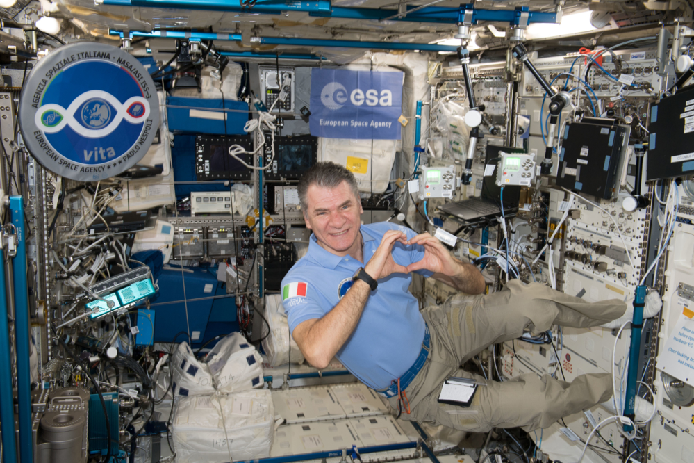 Den italienske astronauten Paolo Nespoli på romstasjonen i 2018. Foto: ESA/NASA
