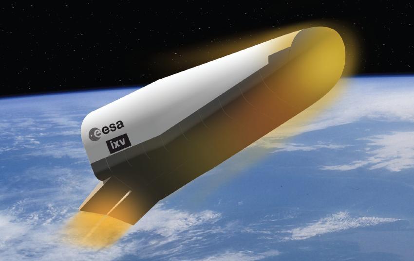 ESAs Intermediate eXperimental Vehicle (IXV) er et nytt romfartøy for tilbakevending fra rommet. Grafikk: ESA