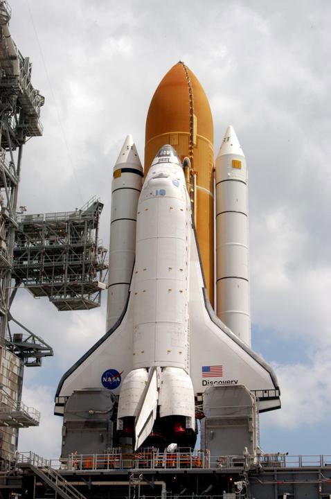 Romferga Discovery før en av dens mange oppskytinger, her STS-114. Foto: NASA