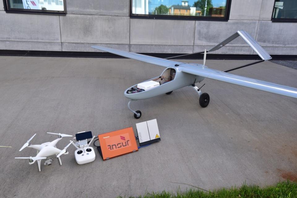 AnsuR vant den norsk satnav-konkurransen i 2016 med Birdeye, et system som hjelper droner å finne det beste datanettverket. Foto: AnsuR