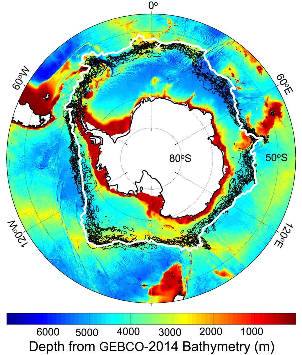 Grensen (hvit linje) for den kalde havstrømmen, Antarctic Circumpolar Current, med grensene (svarte linjer) for -1C overflatetemperatur i havet målt 22. september 1999-2009, sammenliknet med dybden av havet rundt Antarktis. Grafikk NASA/JPL-Caltech
