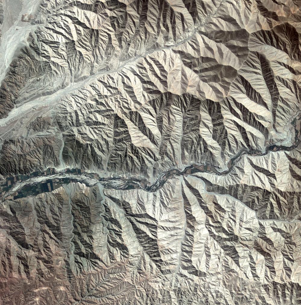 Bilde av Andesfjellene i det sørlige Peru, tatt av den koreanske satellitten Kompsat-2. Foto: KARI/ESA