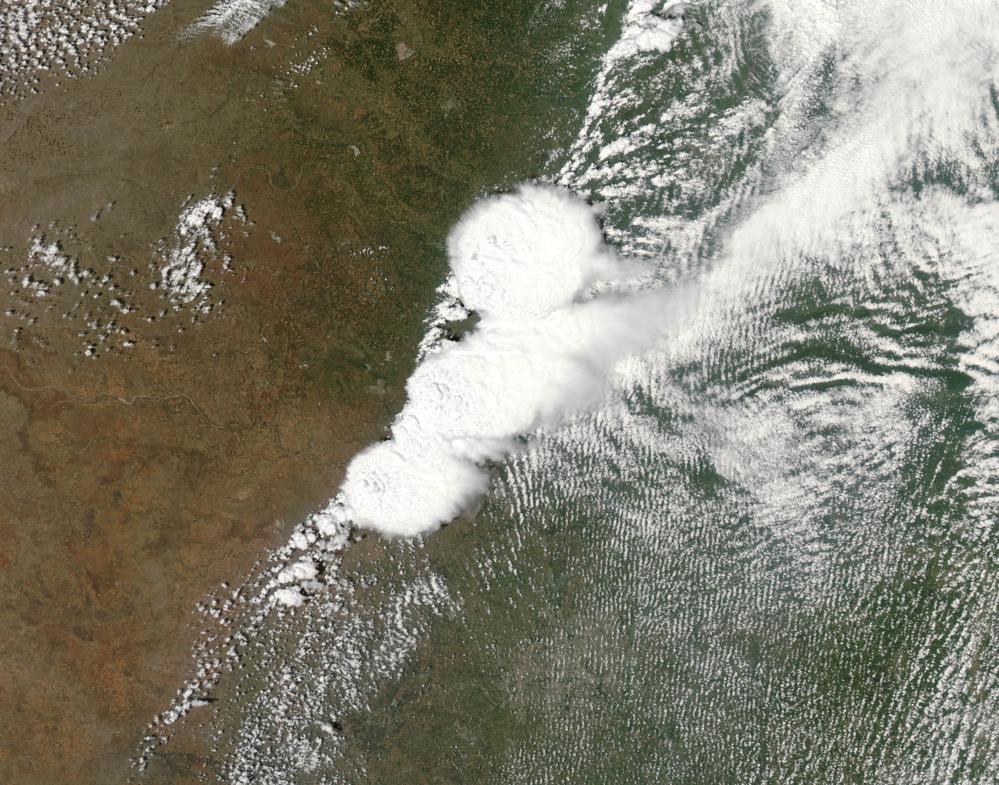 Uværet som skapte tornadoen i Moore i Oklahoma i mai 2013 sett av NASAs satellitt Aqua. Foto: NASA/Jeff Schmaltz