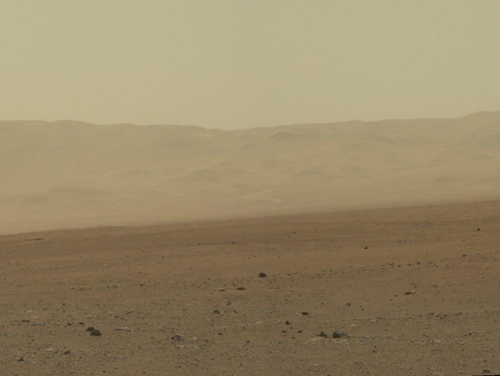 Kanten på Gale Krater, tatt av roveren Curiosity i august 2012.