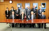 The memorandum of understanding for sounding rocket research is signed in Tokyo on the 16th of January 2015 between JAXA and the Norwegian Space Centre. Photo: JAXA