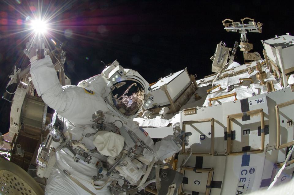 raketter romferger og romstasjoner