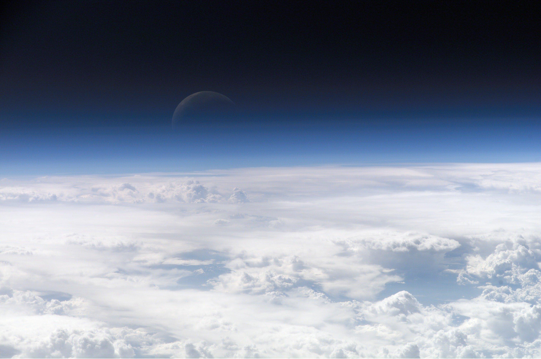 Atmosfæren over jorda. Foto: NASA.
