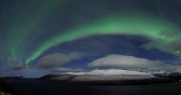 Northern Lights over the Sjon Mountain. Credit: Petter Hamnes.