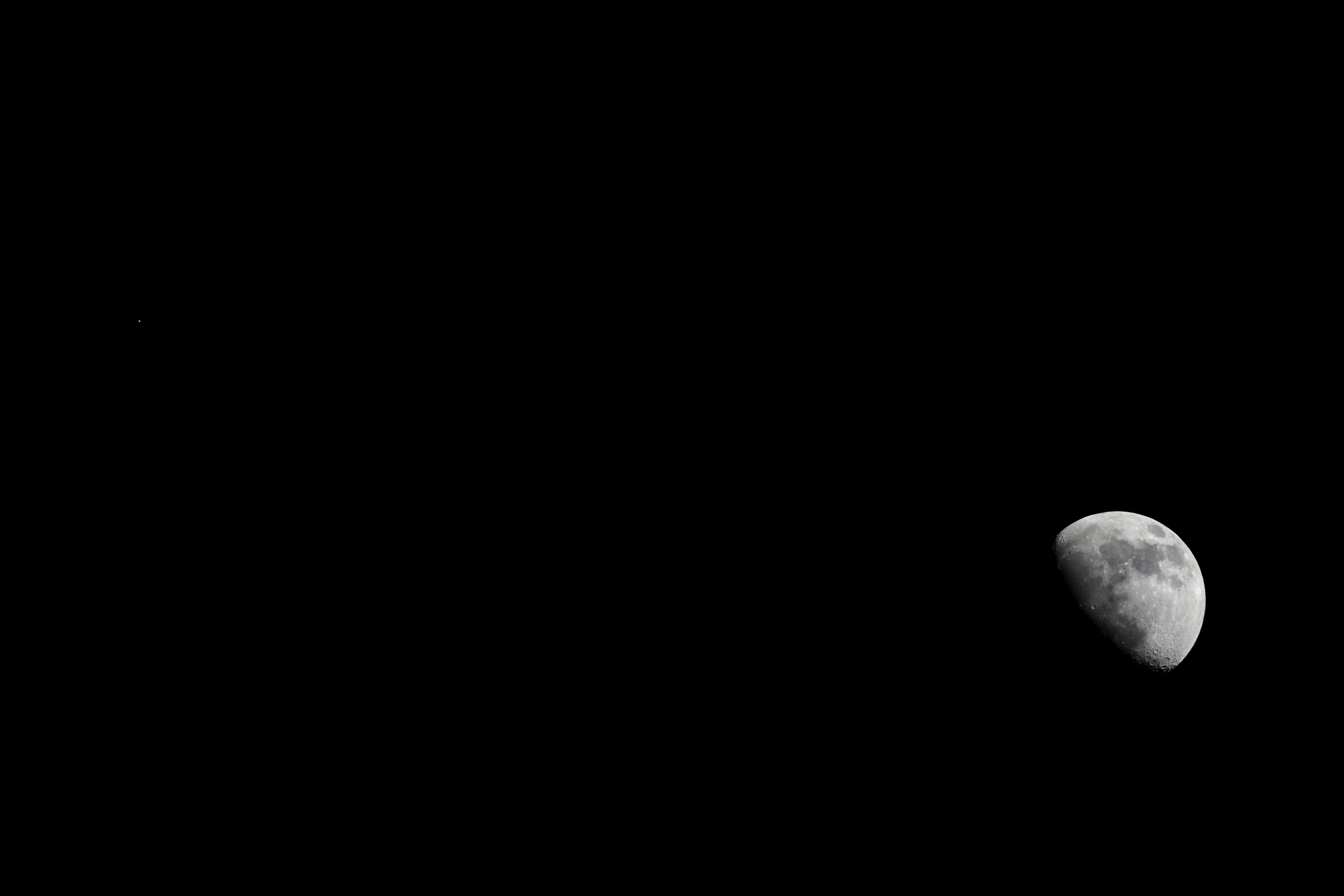 Månen. Foto: ESA.